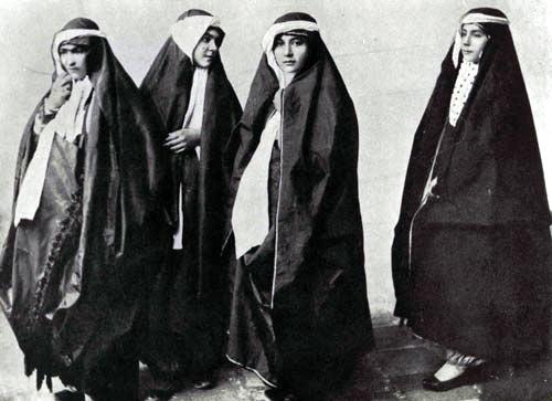 پوشش چادر در ایران