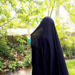 چادر مشکی در تابستان